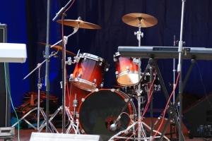 shutterstock (Drums)_30449407[1]